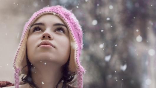 girl-in-hat-in-snow